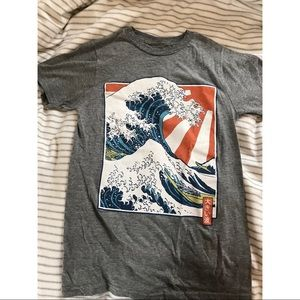 Urban Outfitters Big Wave T-shirt, Size Small